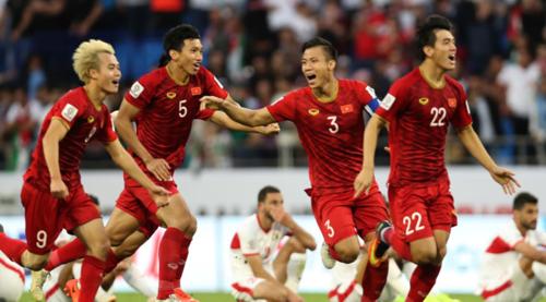 Tuyển Việt Nam ăn mừng chiến thắng trước Jordan tại vòng 1/8 Asian Cup 2019. Ảnh: AFC