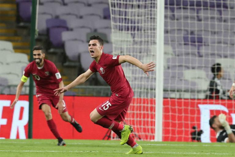 Quang Hải và Văn Hậu vào Top 5 cầu thủ U21 hay nhất Asian Cup