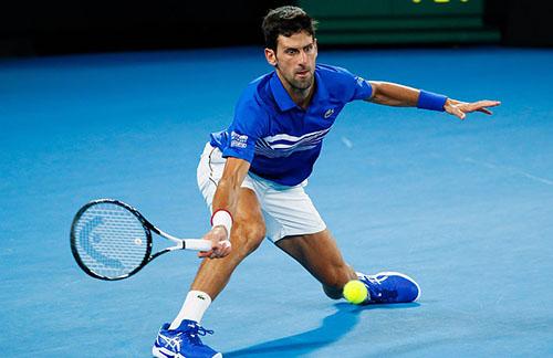 Djokovic không ngại những pha bóng bền với Nadal, và thường xuyên là người chiến thắng tối 27/1. Ảnh: Reuters.