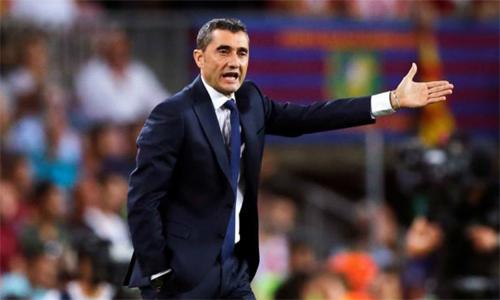 Valverde không hài lòng với việc Guardiola nhắn tin riêng cho cầu thủ của CLB khác. Ảnh: Marca.