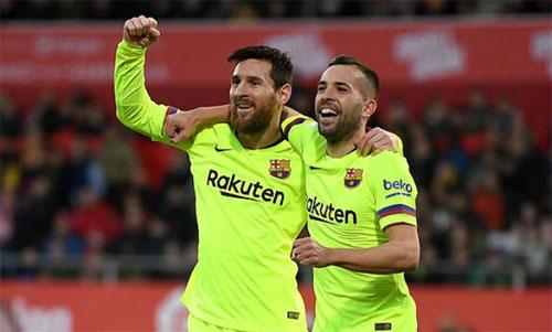 Cặp Messi - Alba một lần nữa đem lại niềm vui cho CĐV.