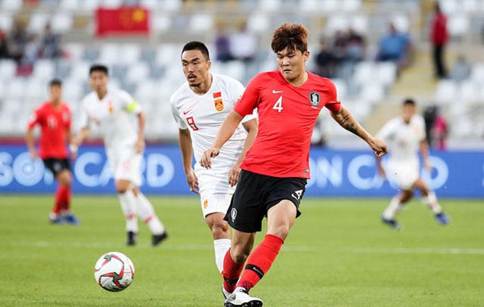 Kim Min Jae (số 4) có sự tiến bộ vượt bậc hai năm qua.