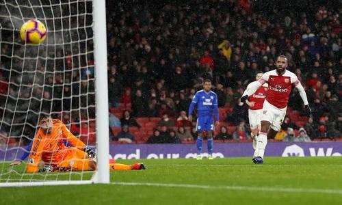 Cardiff bỏ lỡ nhiều cơ hội và không thể tạo ra bất ngờ tại sân Emirates dù chơi tốt. Ảnh: Reuters.