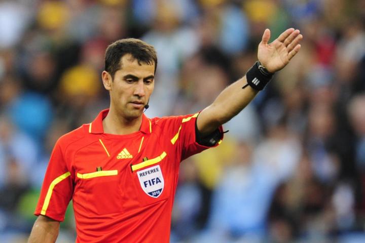 Ông Irmatov làm việc trong một trận đấuWorld Cup. Ảnh:FIFA.