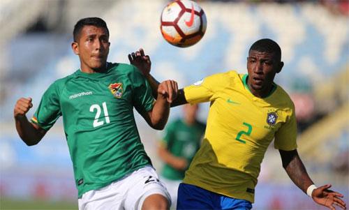 Emerson (áo vàng) sẽ sớm có cơ hội chơi tại La Liga. Ảnh: Reuters