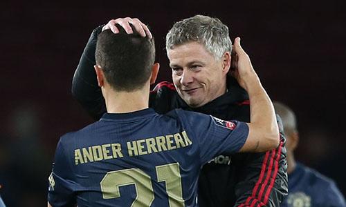 Solskjaer được cho là muốn giữ chân Herrera ở lại sân Old Trafford. Ảnh: PA.