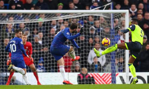 Hai ngôi sao tấn công tìm lại được cảm giác ghi bàn, giúp Chelsea thắng đậm.
