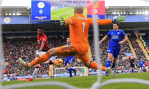 Bàn thắng quyết định trước Leicester giúp Rashford đánh dấu thành công mốc 100 trận cùng Man Utd tại Ngoại hạng Anh. Ở tuổi 21 lẻ 95 ngày, anh là cầu thủ trẻ thứ hai trong lịch sử Man Utd chạm đến mốc này, chỉ sau Ryan Giggs (21 tuổi lẻ 74 ngày).