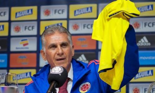 Ông Queiroz trong buổi họp báo ra mắt tuyển Colombia. Ảnh:AFP.