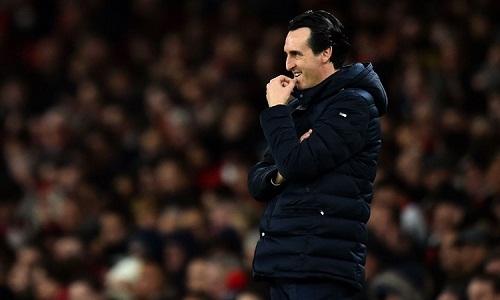 Emery cho rằng Arsenal đang thua thiệt so với Chelsea và Man Utd trong cuộc đua giành vị trí thứ tư. Ảnh: Reuters.