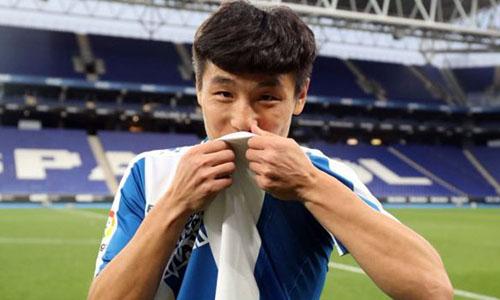 Vũ Lỗi ra mắt ở La Liga tạo ra cú hích lớn về truyền thông. Ảnh: AP.