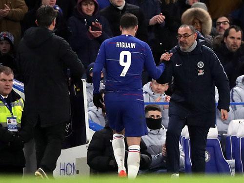 Sarri mang triết lý Sarri-ball tới Chelsea nhưng những ý tưởng của ômg sớm phá sản chỉ sau nửa mùa giải. Ảnh: PA.