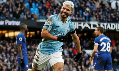 Aguero tiếp tục thể hiện bản năng sát thủ khi đối đầu các đội bóng lớn tại Ngoại hạng Anh. Ảnh: Reuters.