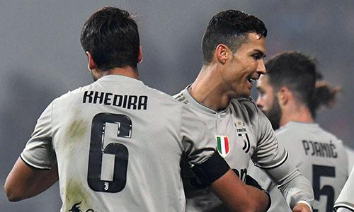 Ronaldo (giữa) độc chiếm ngôi vua phá lưới Serie A với 18 pha lập công. Ảnh: Reuters.