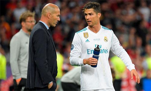 Zidane giúp Real giành ba Champions League vàmột La Liga chỉ trong hai mùa rưỡi làm việc. Ảnh: Reuters