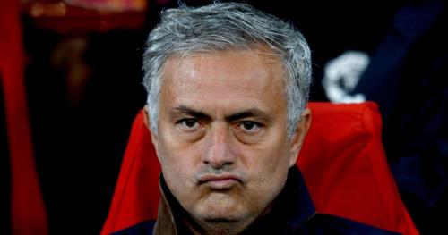 Mourinho phải ra đi khi Man Utd đi xuống cả trong và ngoài sân cỏ. Ảnh:AFP.