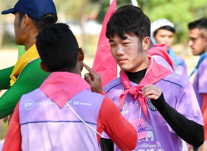 Xuân Trường nhảy dù, hóa trang người nhện ở Buriram