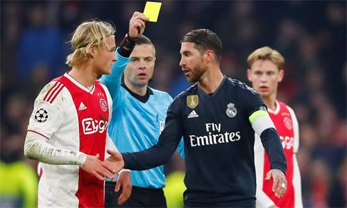 Ramos được cho là cố tình tẩy thẻ để sạch án ở vòng tứ kết. Ảnh: Reuters.