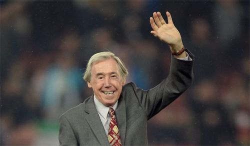 Bất chấp giai đoạn cuối đời không sung túc, Banks vẫn hài lòng khi nhìn lại sự nghiệp thi đấu của ông, một sự nghiệp mà ông mô tả là chơi bóng đávì niềm vui.