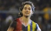 Tin thể thao tối 15/2: CĐV nữ khỏa thân chạy vào sân ở Argentina