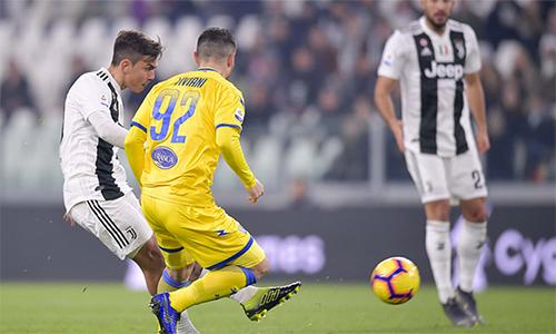 Dybala mở tỷ số cho Juventus.