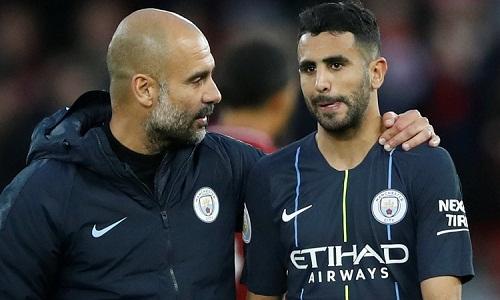 Guardiola thúc giục Mahrez kiên nhẫn để giành suất đá chính tại Man City. Ảnh: Reuters.