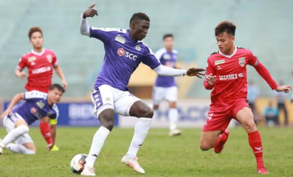 Omar vừa chuyển đến từ Thanh Hóa nhưng đã thể hiện sự hòa nhập tốt với đồng đội tại Hà Nội. Ảnh:Xuân Bình.