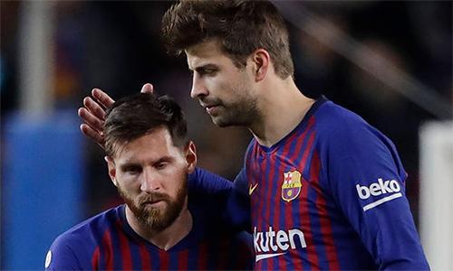 Messi (trái) góp vốn vào dự án Davis Cup phiên bản mới của Pique. Ảnh: The Sun.