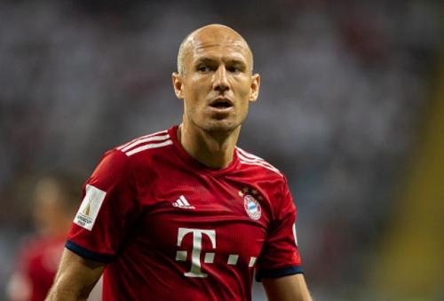 Robben không có kỷ niệm đẹp ở những chuyến hành quân tới Anfield tại Champions League. Ảnh:AFP.
