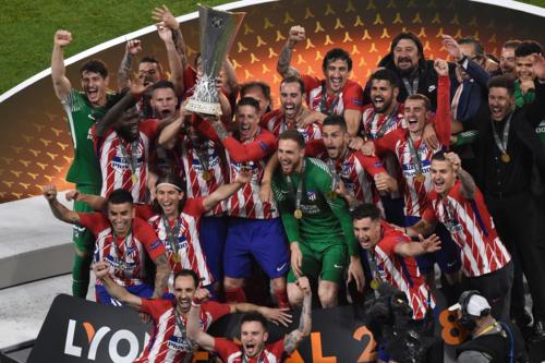 Oblak (áo xanh ở giữa) góp công không nhỏ vào những thành tích của Atletico những năm qua.