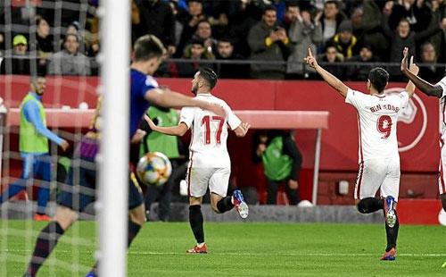 Barca từng thua 0-2 trong trận gần nhất làm khách trước Sevilla.