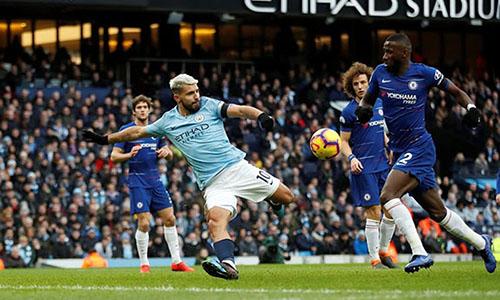 Cú hat-trick của Aguero giúp Man City đè bẹp Chelsea 6-0 cách đây hai tuần. Ảnh: Reuters.