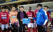 Bầu Tam vẫn thưởng nóng Quảng Ninh sau trận thua Hà Nội
