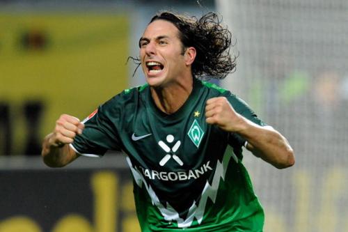 Gương mặt điện ảnh của Pizarro cũng là một phần giúp anh được yêu mến.