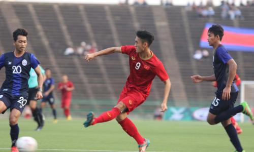 Xuân Tú ghi bàn duy nhất mang về hạng ba cho Việt Nam. Ảnh: VFF.