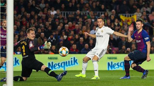 Vazquez có bàn thắng quý giá trong trận lượt đi.