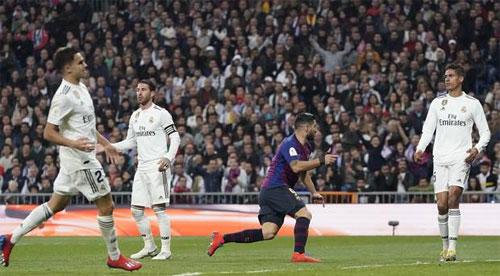 Real thua tan nát sau khi để lọt lưới bàn đầu. Ảnh: Reuters