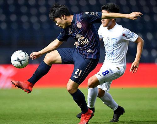 Xuân Trường chơi ở mức tròn vai trong trận mở màn Thai League 2019.