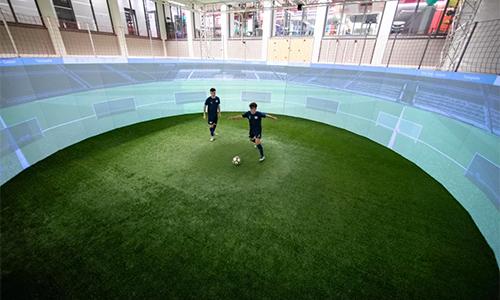 Phòng tập theo công nghệ SoccerBot360 ở Học viện bóng đá RB Leipzig.