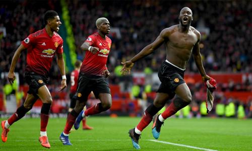 Trong ngày các trụ cột khác như Pogba, Rashford đá dưới sức, Lukaku một lần nữa toả sáng, lập cú đúp giúp Man Utd chiến thắng.