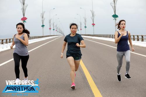 Các runner nữ được ưu đãi 30% giá bib trong các ngày 7/3 đến 9/3. Ảnh: Ngọc Thành.