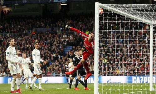 Real thua Ajax theo cách bạc nhược, khác hẳn hình ảnh oai phong thường thấy của họ ở Champions League.