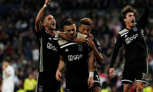Ajaxsớm gây chấn động sân Bernabeu.