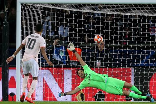 Với cú đá phạt đền thành công của Rashford ở phút 94, Man Utd đã đảo chiều lịch sử Champions League, nơi 106 đội trước đó đều dừng bước vì thua hai bàn cách biệt ở trận lượt đi vòng knock-out trên sân nhà.