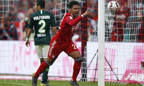 Gnabry là người mở ra chiến thắng đậm đà cho Bayern. Ảnh: AP.