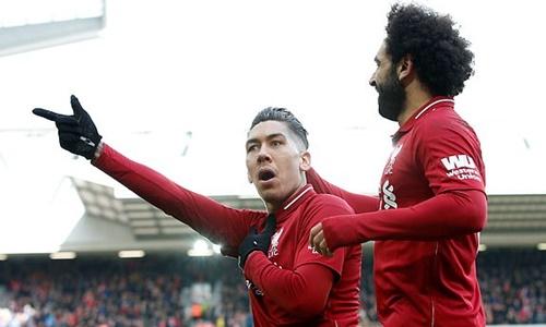 Firmino (trái) cùng Mane thay nhau gánh hàng công Liverpool khi Salah (phải) tịt ngòi.