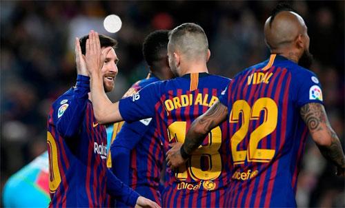 Messi tiếp tục mạch ghi bàn.