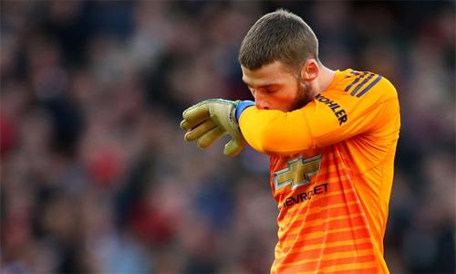 Tình huống bị Xhaka chọc thủng lưới hôm qua là bàn thua thứ sáu của De Gea từ các cú sút xa tại Ngoại hạng Anh mùa này. Ảnh: AFP.