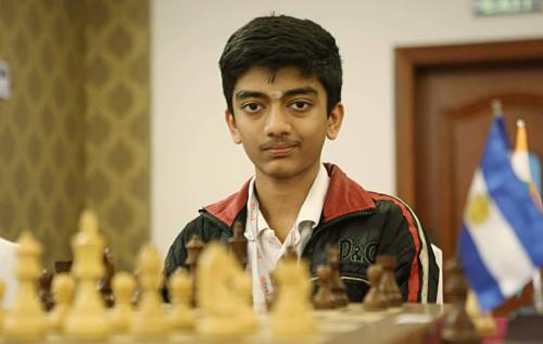 Gukesh D đạt danh hiệu Đại kiện tướng khi mới 12 tuổi, bảy tháng 17 ngày.