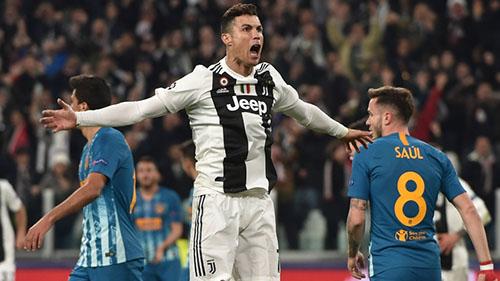 Ronaldo toả sáng giúp Juventus vượt qua Atletico để vào tứ kết. Ảnh: Reuters.